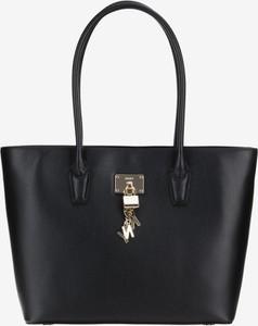 Czarna torebka DKNY ze skóry duża na ramię