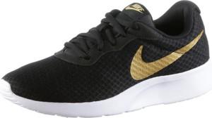 Czarne buty sportowe Nike Sportswear sznurowane na platformie