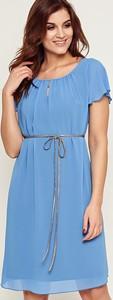 Niebieska sukienka Kaskada z szyfonu z krótkim rękawem