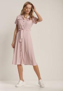 Różowa sukienka Renee z krótkim rękawem