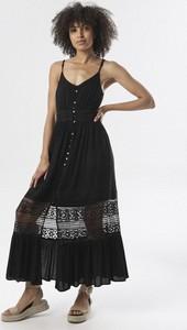 Czarna sukienka born2be na ramiączkach maxi