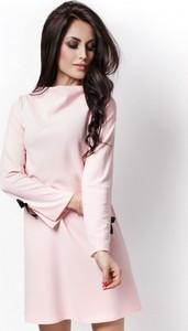Różowa sukienka Ivon z długim rękawem w stylu casual
