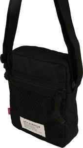 Czarna torebka Levis na ramię w sportowym stylu matowa