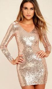 Sukienka IVET.PL w stylu glamour z długim rękawem