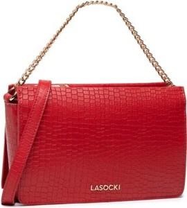 Czerwona torebka Lasocki ze skóry średnia na ramię