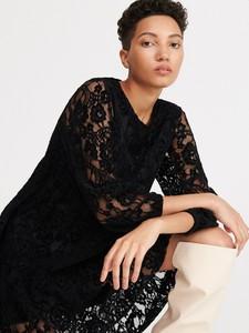 Sukienka Reserved rozkloszowana z dekoltem w kształcie litery v