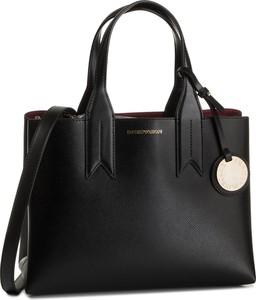 Czarna torebka Emporio Armani matowa z breloczkiem średnia