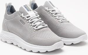 Buty sportowe Geox w sportowym stylu sznurowane z płaską podeszwą