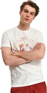 T-shirt Top Secret z krótkim rękawem z nadrukiem w młodzieżowym stylu