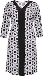 870995d1c933b8 biała sukienka z czarnymi rajstopami - stylowo i modnie z Allani