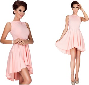 Sukienka Inna mini z asymetrycznym dekoltem