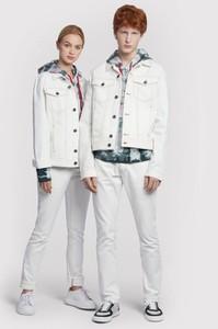 Kurtka Vistula krótka z jeansu w młodzieżowym stylu