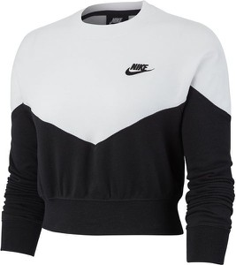 Bluza Nike w sportowym stylu