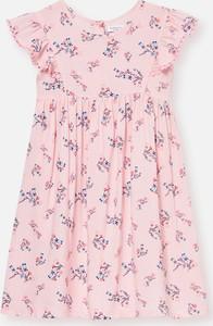 Różowa sukienka dziewczęca Sinsay