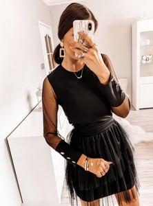 Sukienka Pakuten z tiulu