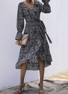 Sukienka Cikelly z długim rękawem w stylu boho midi