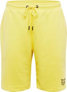 Żółte spodenki About You X Pari z bawełny