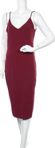 Sukienka Streetwear Society midi na ramiączkach z dekoltem w kształcie litery v