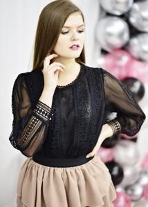 Czarna bluzka Fason z okrągłym dekoltem