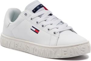 Trampki Tommy Jeans niskie na platformie w młodzieżowym stylu