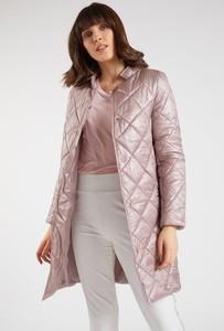 Różowy płaszcz Monnari w stylu casual