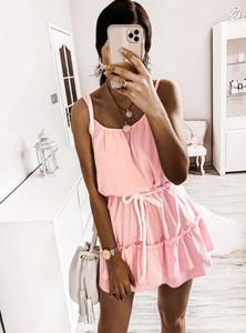 Różowa sukienka Pakuten z bawełny rozkloszowana
