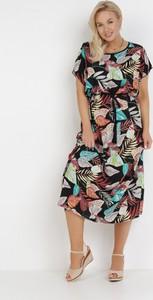 Sukienka born2be midi prosta z krótkim rękawem