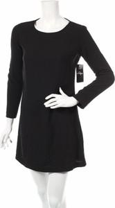 Czarna sukienka American Apparel z długim rękawem z okrągłym dekoltem w stylu casual