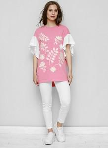 Różowa bluzka Freeshion z okrągłym dekoltem z tkaniny