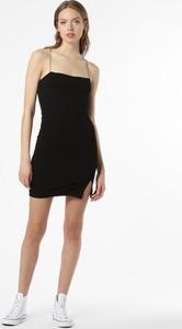 Czarna sukienka NA-KD z okrągłym dekoltem bez rękawów