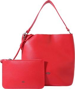 Czerwona torebka Fritzi aus Preußen w stylu casual z breloczkiem średnia