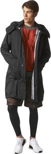 Czarna kurtka Adidas w młodzieżowym stylu
