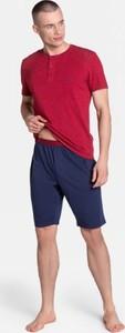Czerwona piżama Henderson