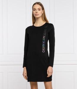 Czarna sukienka Calvin Klein prosta z okrągłym dekoltem mini