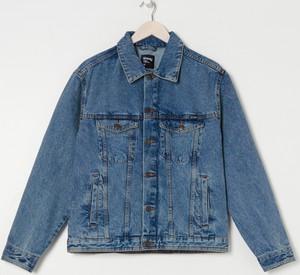 Kurtka Sinsay z jeansu w młodzieżowym stylu