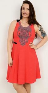 Czerwona sukienka Semper w stylu casual z okrągłym dekoltem midi