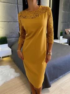 Żółta sukienka ModnaKiecka.pl z długim rękawem dopasowana