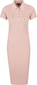 Sukienka Elisabetta Franchi midi z krótkim rękawem w stylu casual