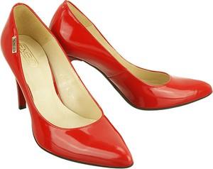 Czerwone szpilki Embis