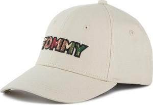 Czapka Tommy Hilfiger w młodzieżowym stylu