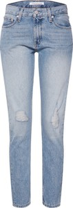 Niebieskie jeansy Calvin Klein w street stylu