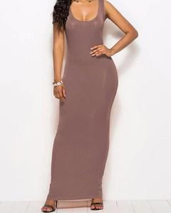 Sukienka Kendallme z okrągłym dekoltem prosta maxi