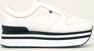 Buty sportowe Tommy Hilfiger ze skóry na platformie