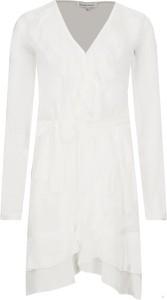 Sukienka Silvian Heach z dekoltem w kształcie litery v