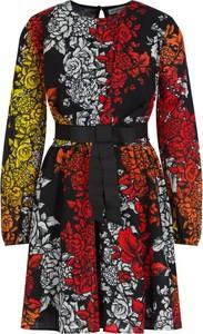 Sukienka Silvian Heach w stylu casual rozkloszowana mini