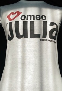 Bluzka Kurdemol w młodzieżowym stylu z dresówki