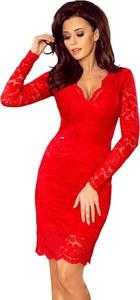 Czerwona sukienka NUMOCO z długim rękawem dopasowana