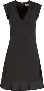 Czarna sukienka Twinset trapezowa
