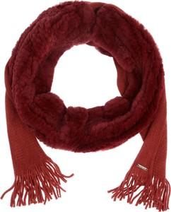 Czerwony szalik Ochnik