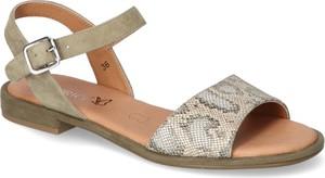 Sandały Caprice w stylu casual z płaską podeszwą
